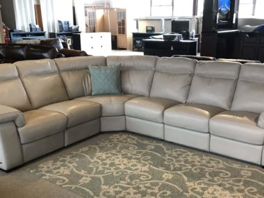B757 Natuzzi Dove Power Sectional
