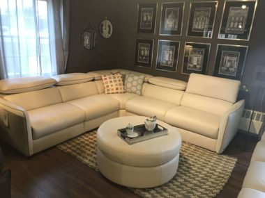 B995 Meraviglia Natuzzi Cream Power Sectional